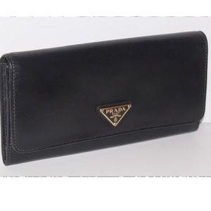 Auth PRADA Calfskin Continental Wallet